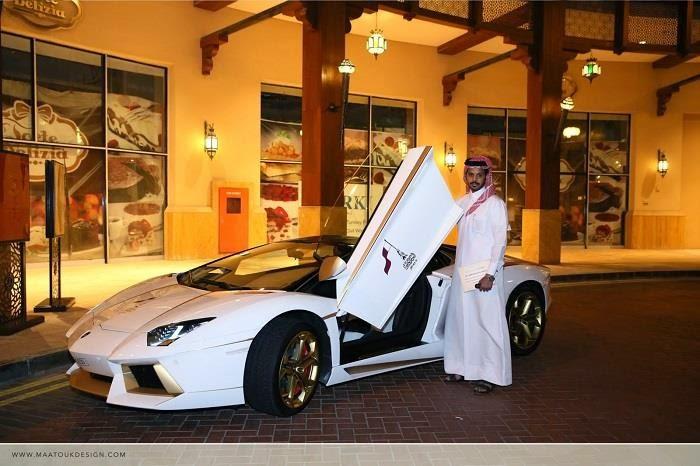 Lamborghini Aventador نسخة مغطاة بالذهب الحقيقي من سيارة لامبورغيني
