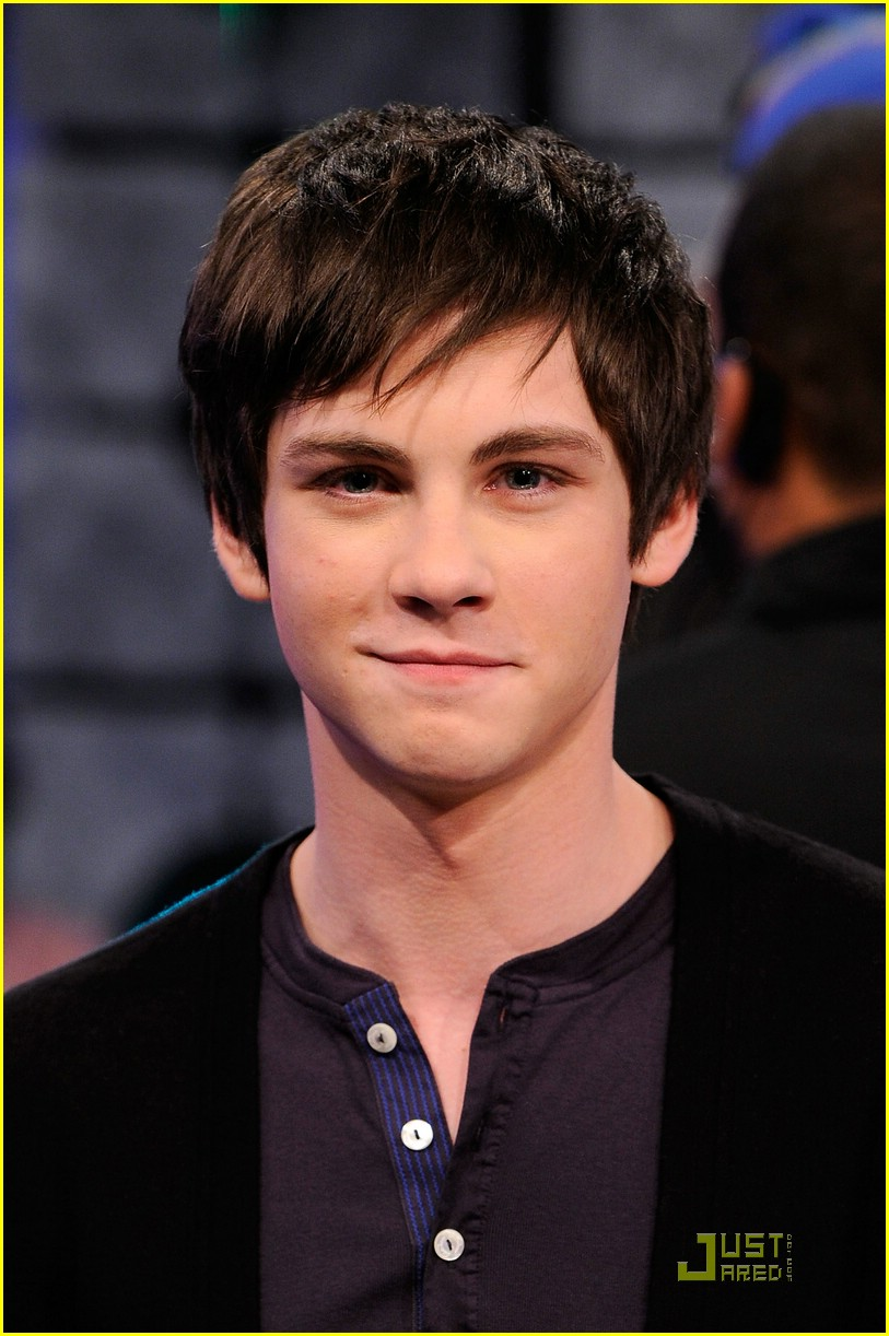 like more logan lerman or logan henderson first logan lermanLogan Lerman
