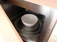 agua calentada en microondas