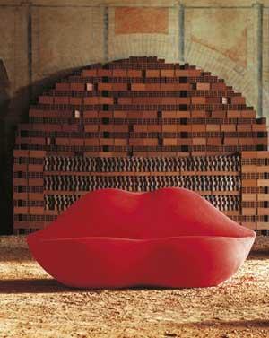 Design antropomorfo meraviglie del corpo umano for Divano bocca