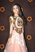 Kanika Kapoor glamorous photos-thumbnail-1