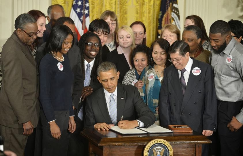 Obama Raises Federal Minimum Wage