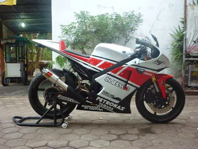 Modifikasi Yamaha Vixion Ala M1 09 New