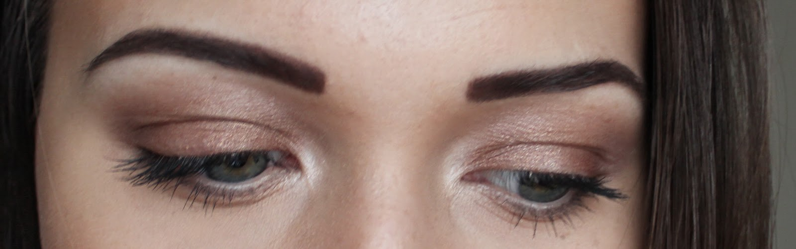 Apply Nyx Eyeshadow Base All Over Your Eyelids And In The Inner Corners Of  The Eyes Blend It Out Using Your Ring Finger;
