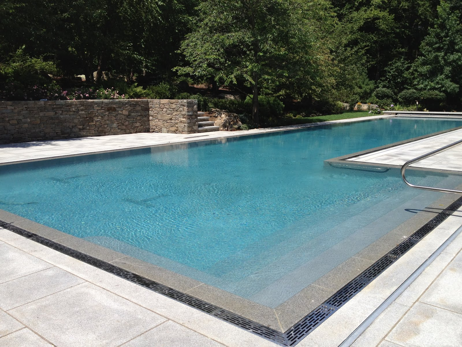 Aquaknot pools inc new residential swimming pool for New swimming pool