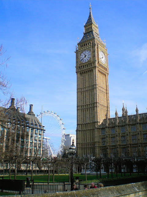 The unmistakable Big Ben and London Eye in the background. Photo is the property of EuroStar. Unauthorized use is prohibited.