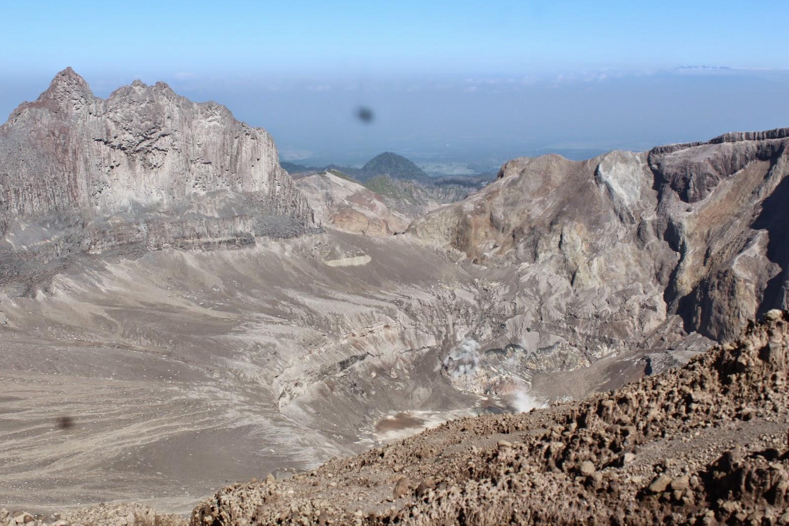 kawah gunung kelud
