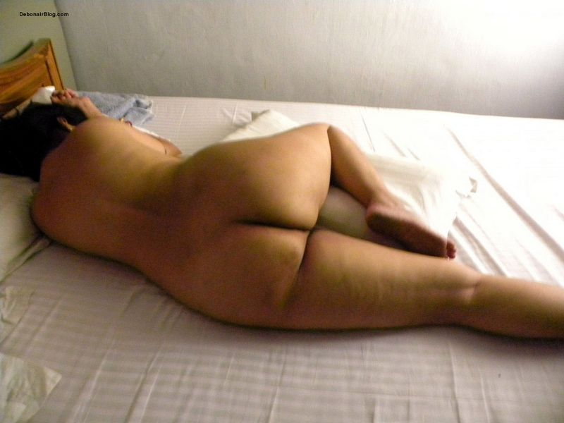 Video würde Sleeping milf ass