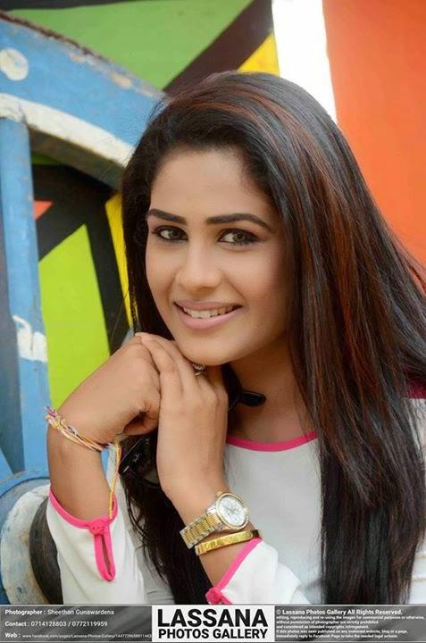 lanka actress sri Maheshi