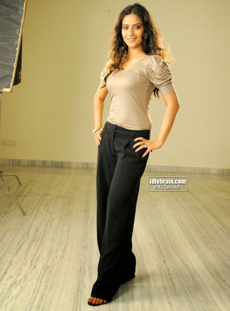 aditi sharma pants black