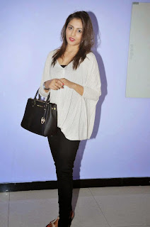 Actress Madhu Shalini Picture Gallery at Ladies And Gentlemen Movie Preview Show 9