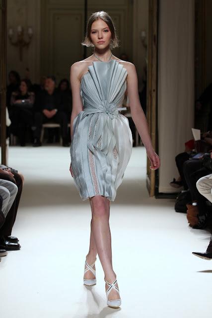 جورج حبيقه - Georges Hobeika Couture Spring Summer 2012 43.jpg
