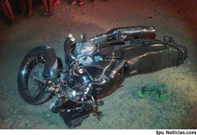 Colisão entre caminhão e moto deixa uma pessoa morta em Ipueiras