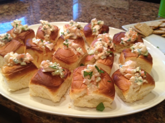 Parties and Pearls : Mini Shrimp Rolls