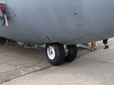 C-130H Hercules walk around - nose gear