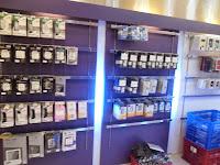 funiture semarang display etalase meja cs meja kasir display gantung toko hp 06