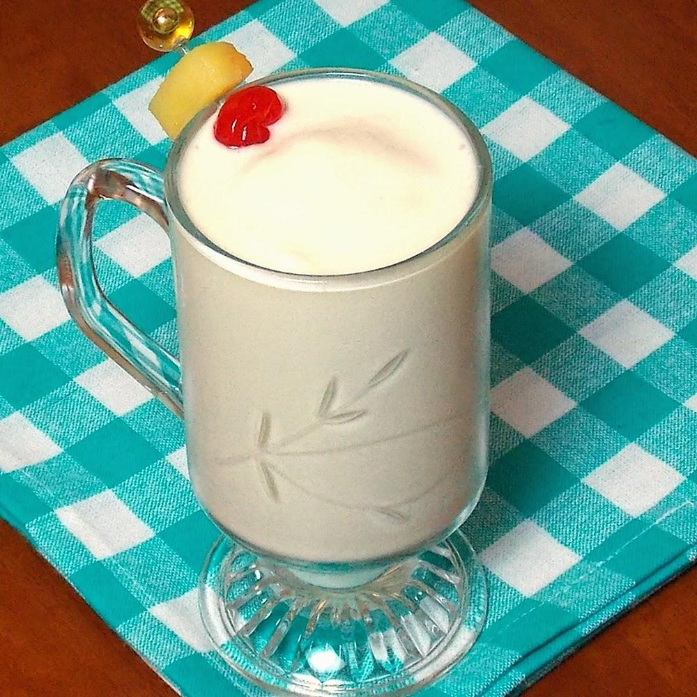 Pina Colada Smoothie #pineapple #coconut #beverage