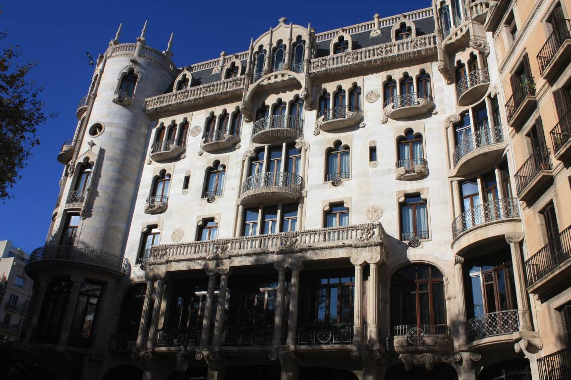 Barcelona vila de gracia beautiful places of barcelona for Hotel gracia barcelona
