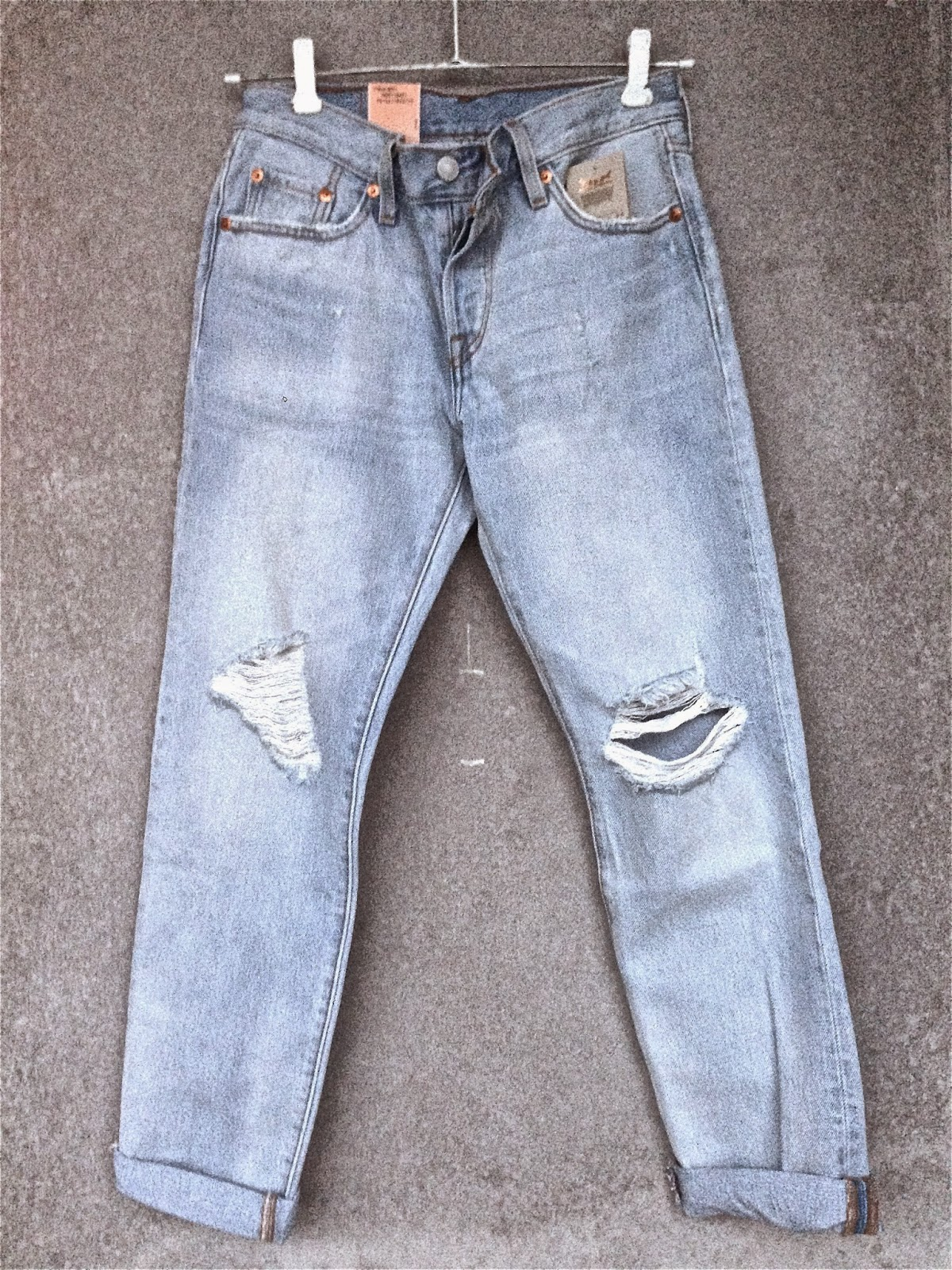 Levis, Levis 501, Levis 501 CT, 501CT, Old Favorite, 501 women, New Levis model, jeans, light blue jeans, boyfriend jeans, relaxed fit jeans