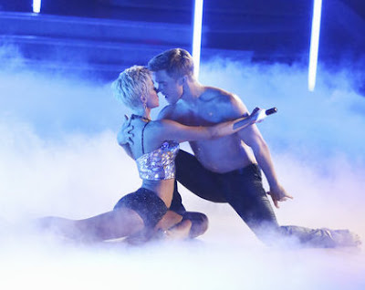 Kellie Pickler and Derek Hough on Season 16 of Dancing with the Stars