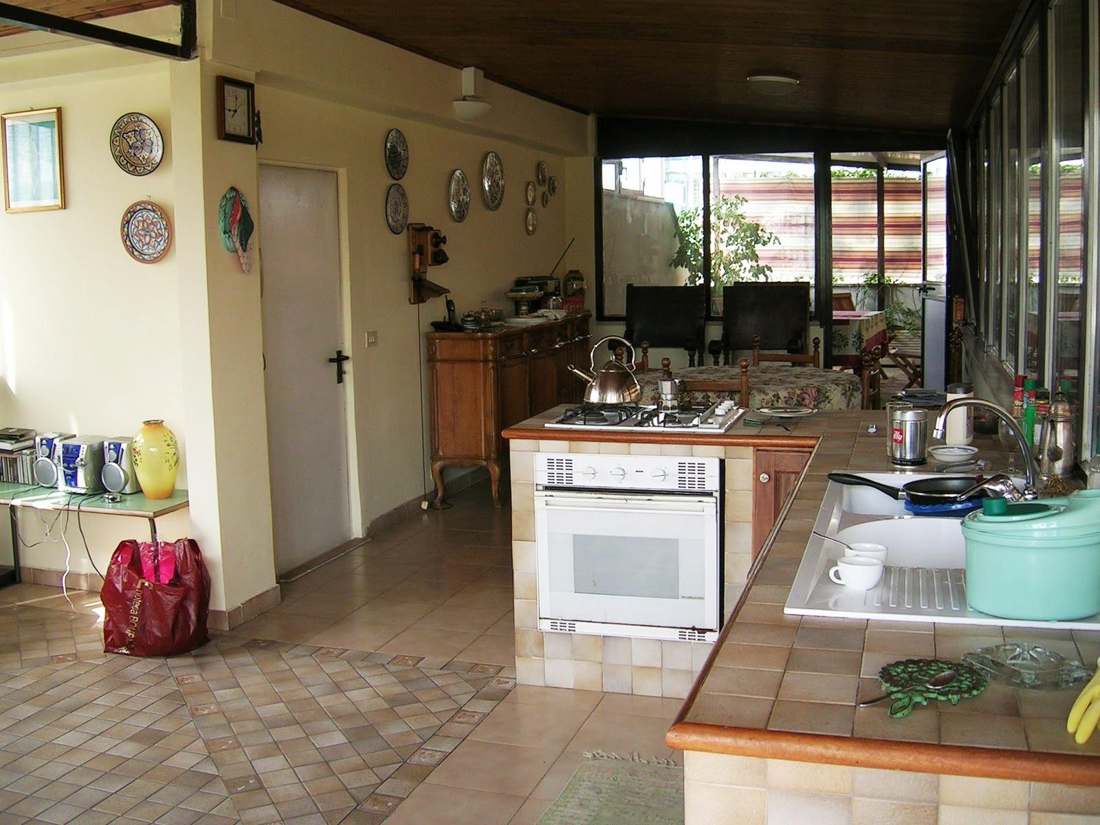 Privato vende due appartamenti roma - Cucina in veranda ...
