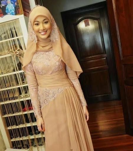kebaya muslim modern simple dan elegan terbaru 2017/2018