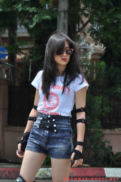 wut hmone shwe yee sexy roller blades outfit 01