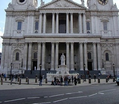 St.Paul's Cathedral coincidence
