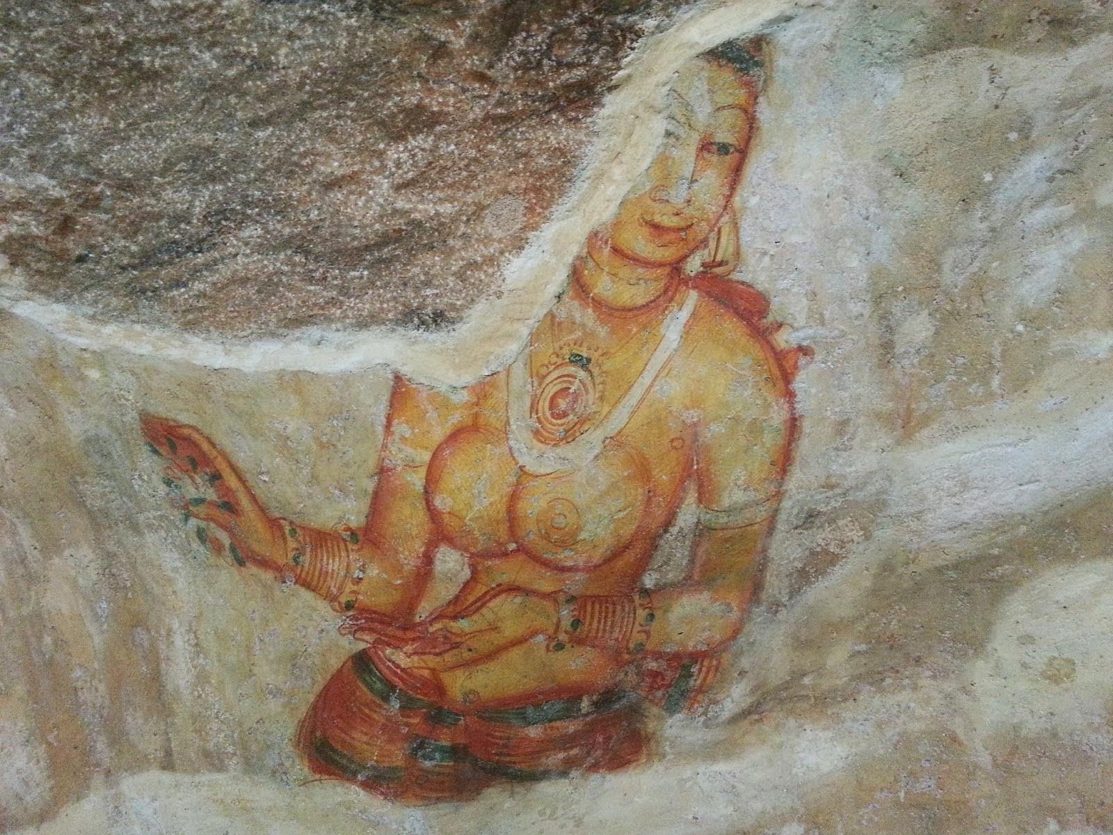 Фрагмент древней фрески Сигирии, красивая девушка топлесс, совершенное тело, лицо, таинственная леди