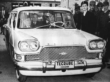 devrim arabası, türk mühendisler,tülomsaş,cemal paşa,cemal gürsel, devrim, benzin, otomobil,ilk yerli otomobil, Emin Bozoğlu
