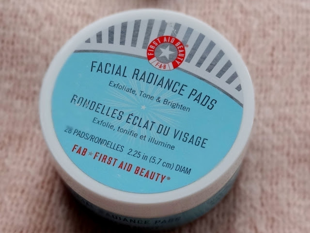 First Aid Beauty Peace, Joy & FAB Kit Facial Radiance Pads