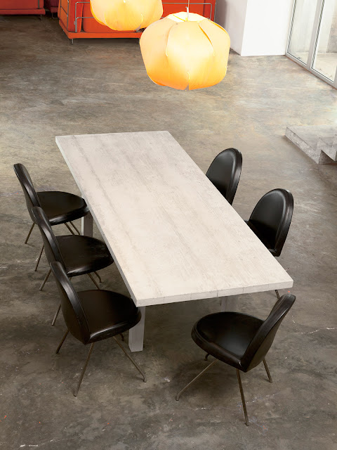 Concrete Table Details: Point de Rencontre