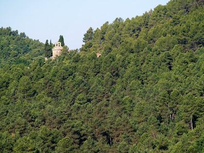 L'ermita de Sant Vicenç de Vilarassau des de la baixada del mas de Vilagú