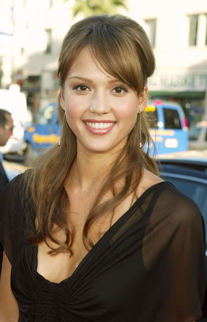 Jessica Alba Height, Weight, Body Measurements