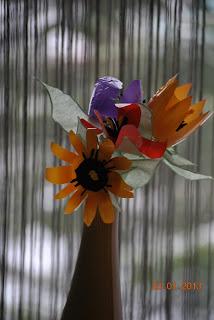 kwiaty z opakowań po jogurtach recycling