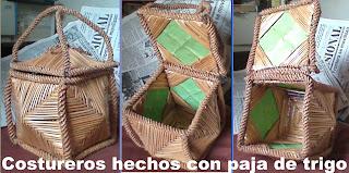 Alhajeros o costureros hechos con paja de trigo.