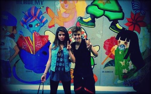 Justin Bieber y Selena Gomez entre las parejas mas poderosas