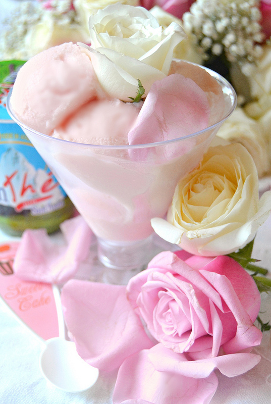 Gelato alle rose… per una dolce e rinfrescante pausa PINK!