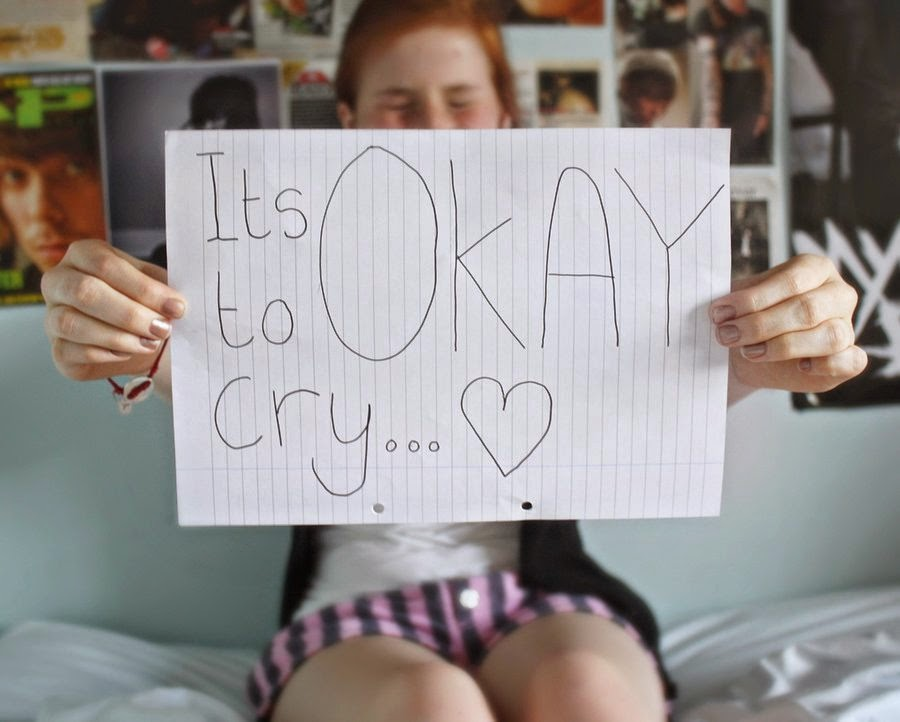 Girl-Sad-crying-alone-emotional-wallpaper-image-900x722.jpg