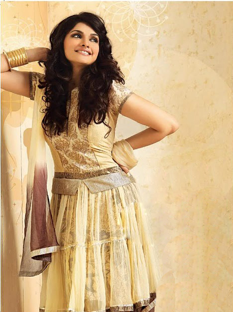 Prachi Desai cute photos