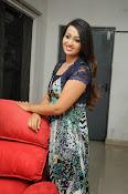 Ester Noronha Photos-thumbnail-2