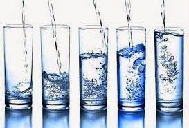 Tips Sehat Di Sela Makan Dengan Air Putih