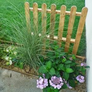 Une barri re de jardin en palette r cup arda d co for Barriere deco jardin