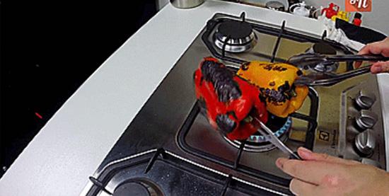 Descascando alimentos facilmente - Pimentão
