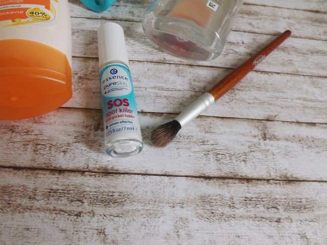 essence pure skin - SOS spot killer      For your Beauty - Blendepinsel