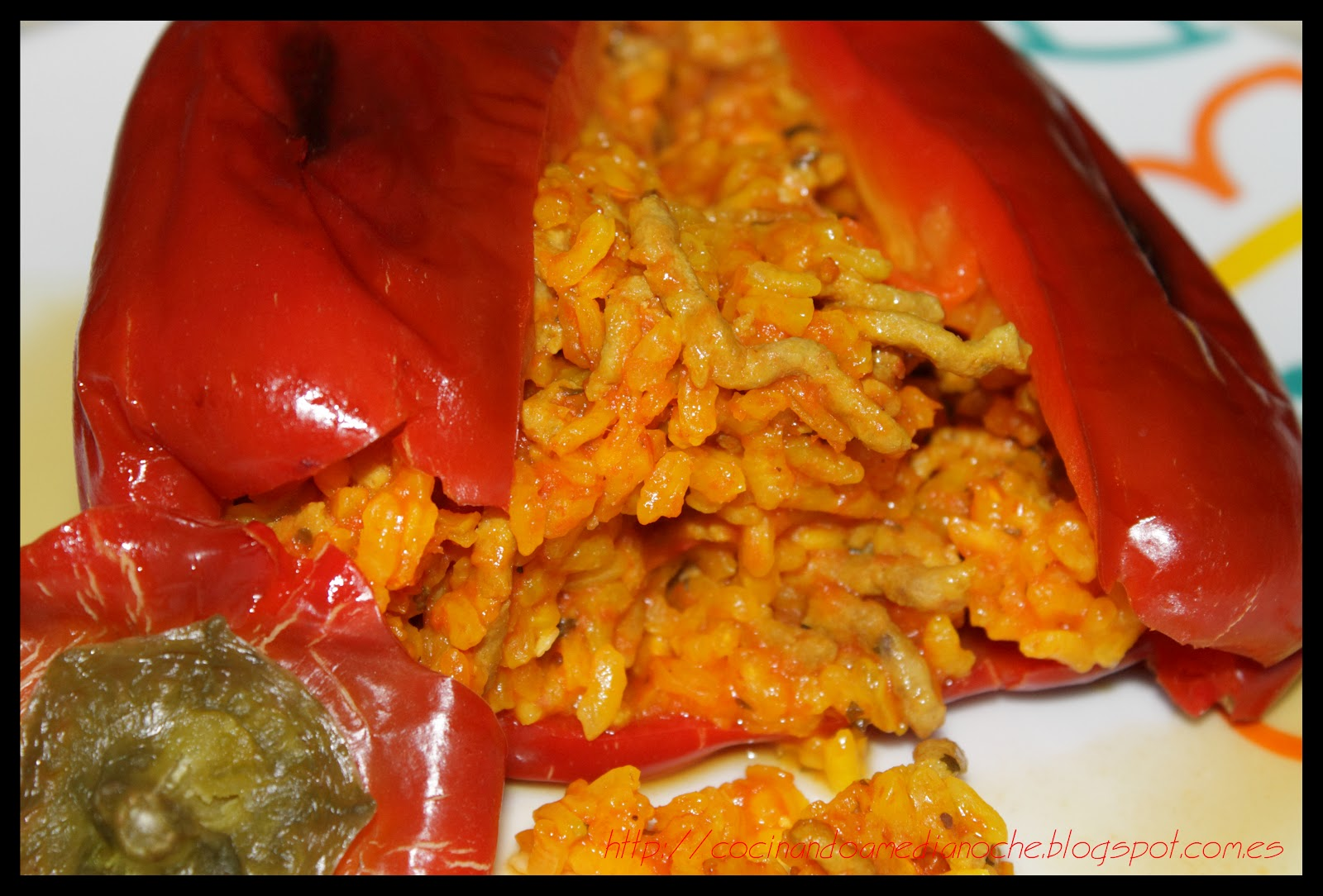 Cocinando a medianoche pimientos rellenos de arroz y - Pimientos rellenos de carne picada y bechamel ...