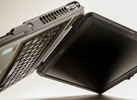 balikan laptop agar air mengalir kebawah