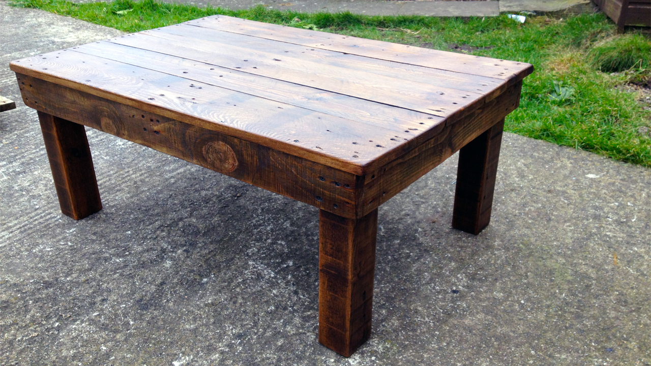 Bearwoodwork how to make a coffee table from reclaimed pallet wood Recycled wood coffee table