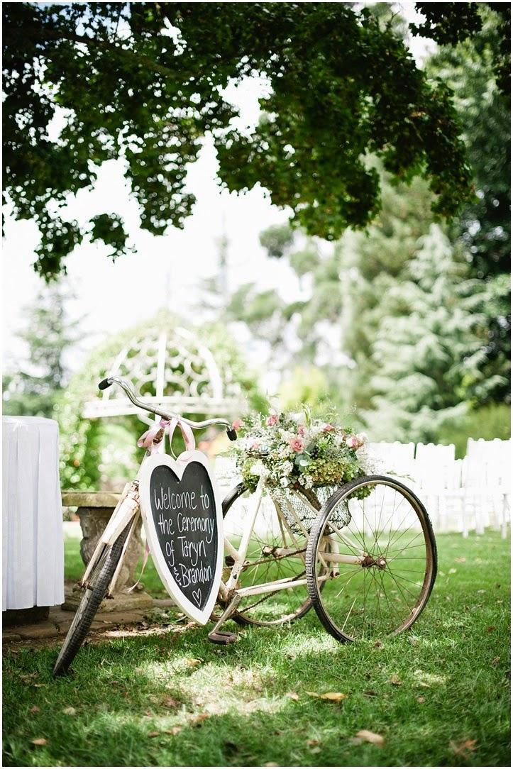Pon una bicicleta vintage en la decoraci n de tu boda for Decoracion jardin vintage