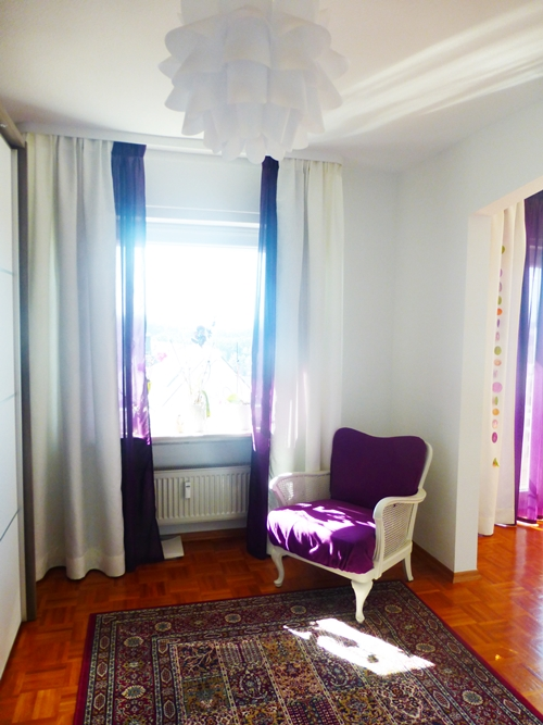 Ankleidezimmer Lila Violett Purple Sessel Antik Vintage